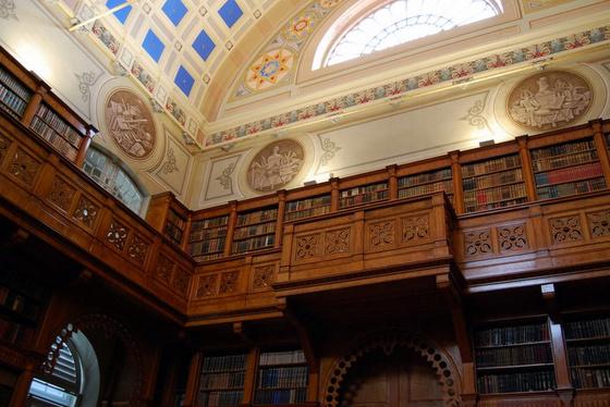 Országos Széchényi Könyvtár: A Zirci Apátság Kincsei - könyvtártörténeti kiállítás