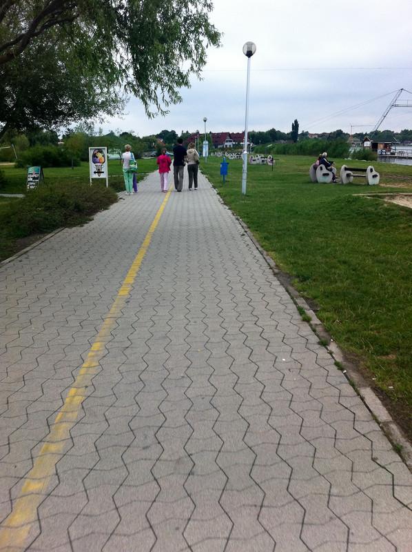 darthwalk: Strandsétány emberekkel