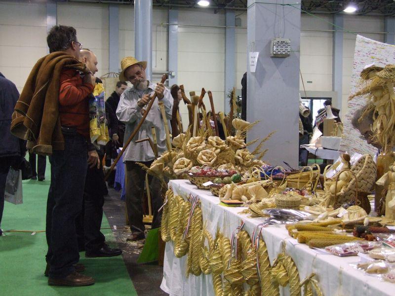Fafaragók fafaragások az Első Nemzetközi Leader Expon (20 ... c78f073903