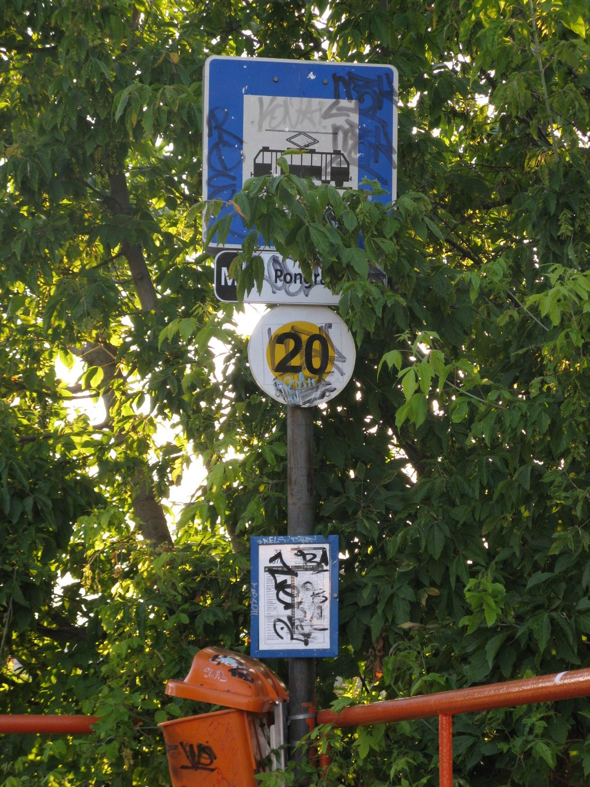 Villamos-megállóhely tábla