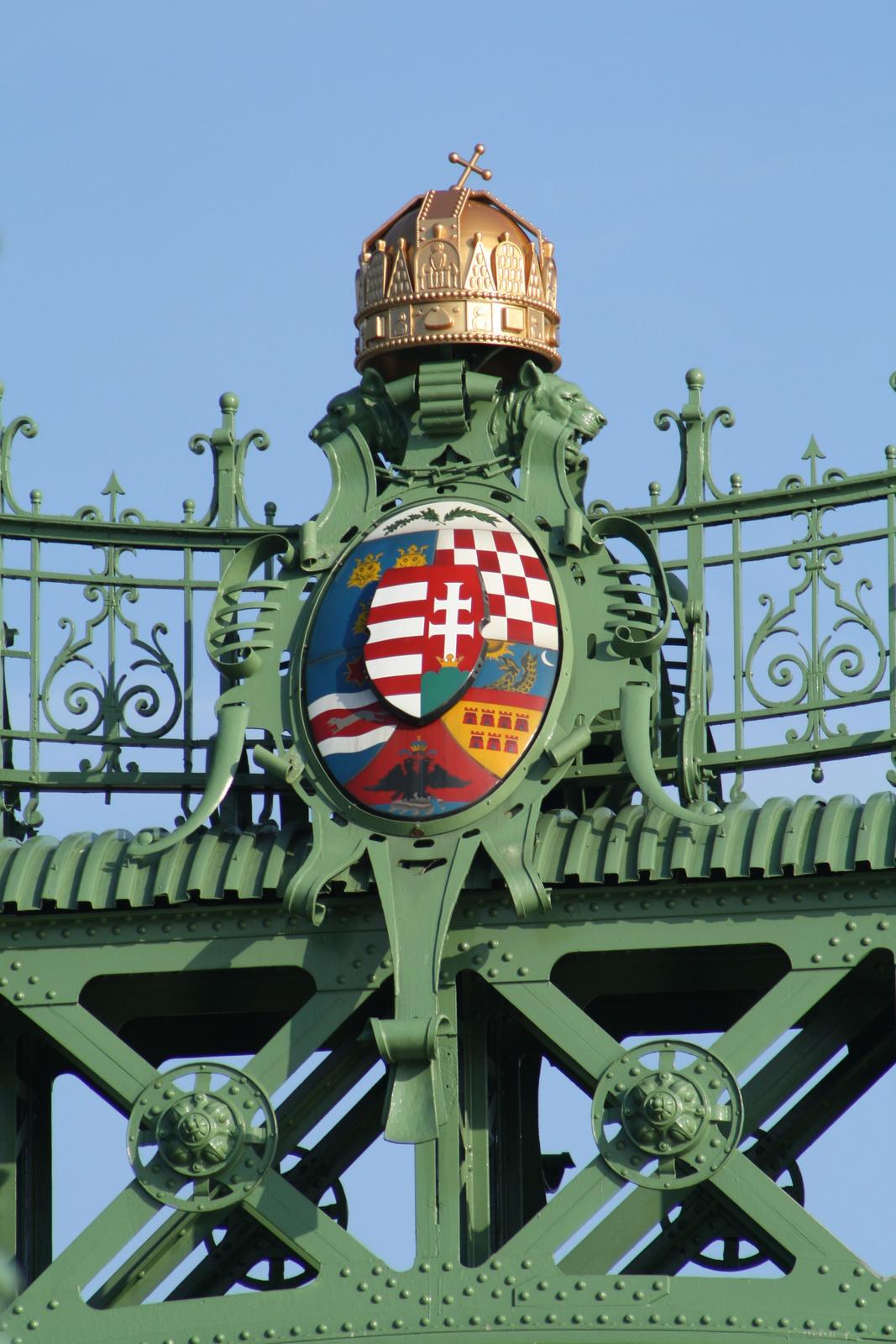Koronás címer vagy címeres korona?