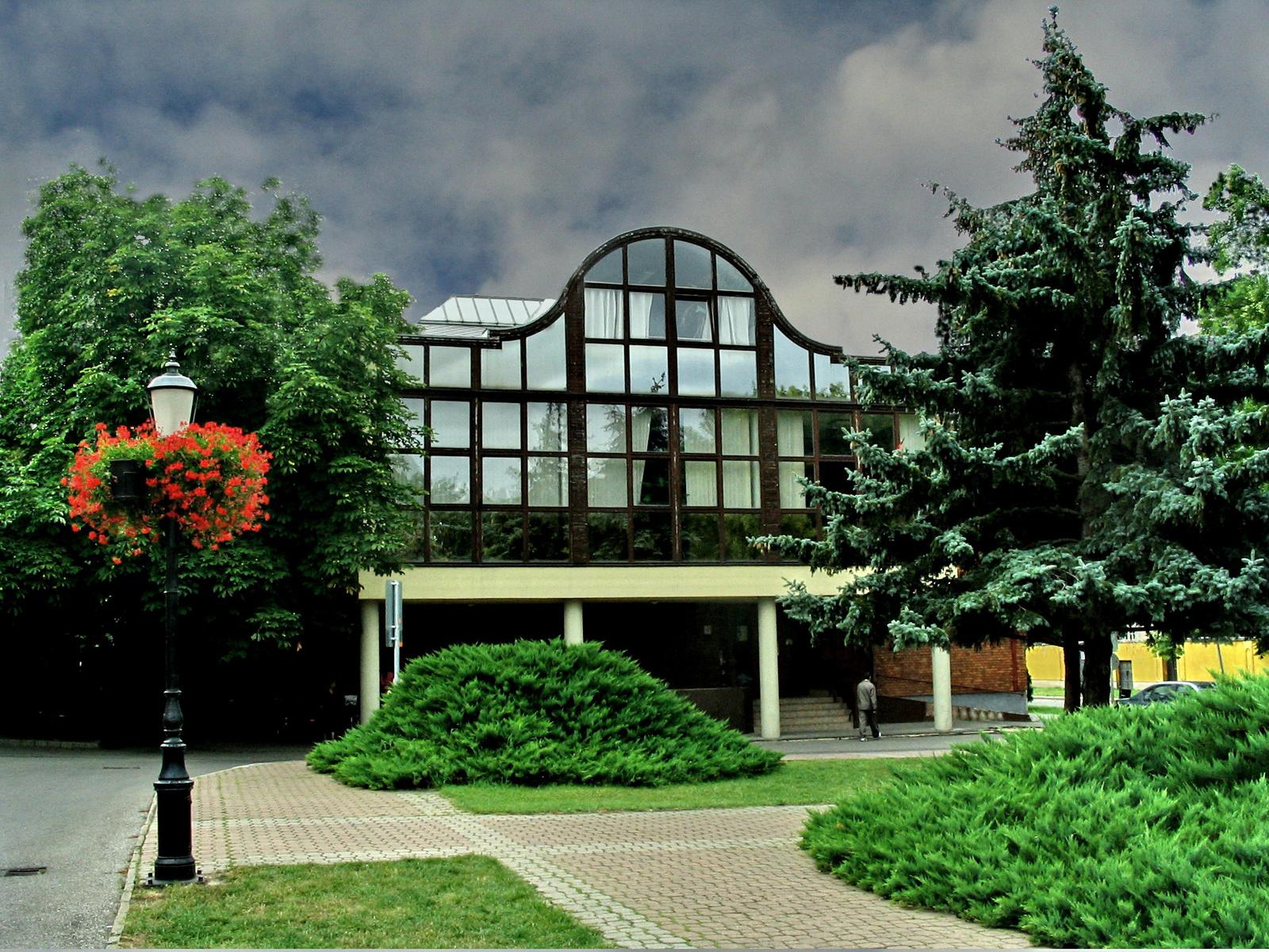 Hatvan Város Művelődési Központ és Könyvtár